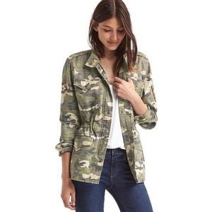 NWT! Camo Embroidered Butterfly Zip Up Jacket M
